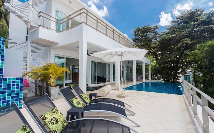 Villa Ginborn 5-6 bdr sea view pool villa in Kata