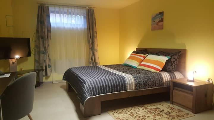 Ruhiges, privates Familienzimmer im UG