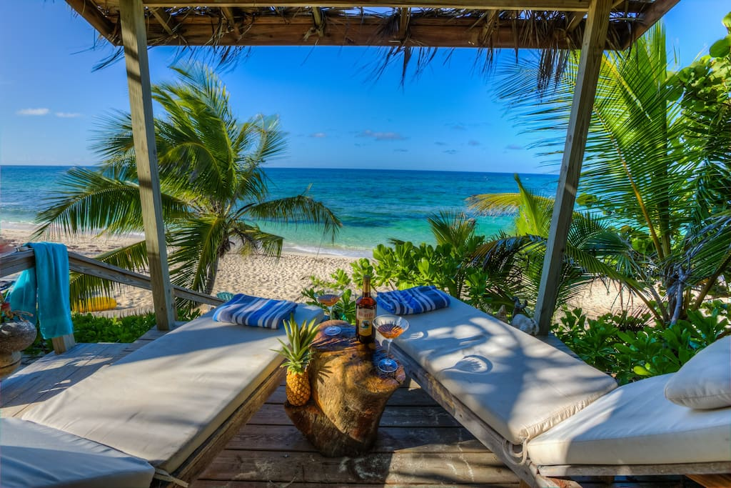 Romantic round house private beach houses for rent in for Beach houses for rent in bahamas