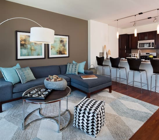 Place of your own | 1BR in Chicago