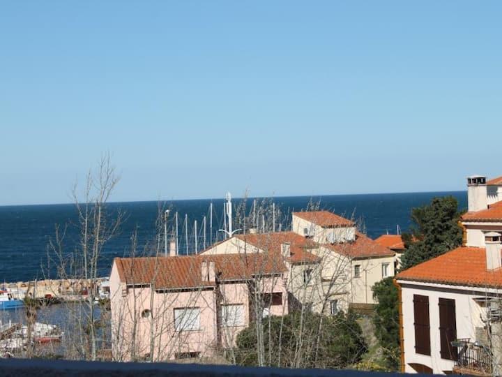 Studio proche de la mer, avec place de parking