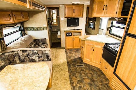 350+ square foot RV - Albany - Asuntoauto