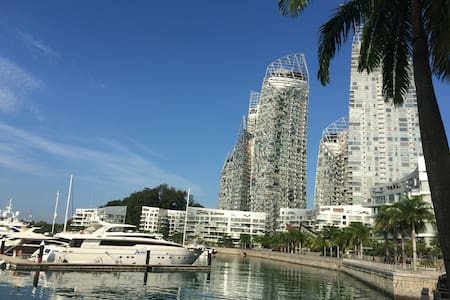 2BR beautiful water view, iconic Reflections condo - Singapura