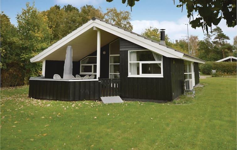 Holiday cottage with 3 bedrooms on 77 m² in Gørlev