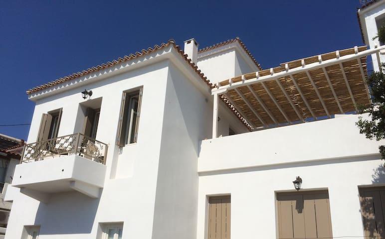 Villa Kalokairi