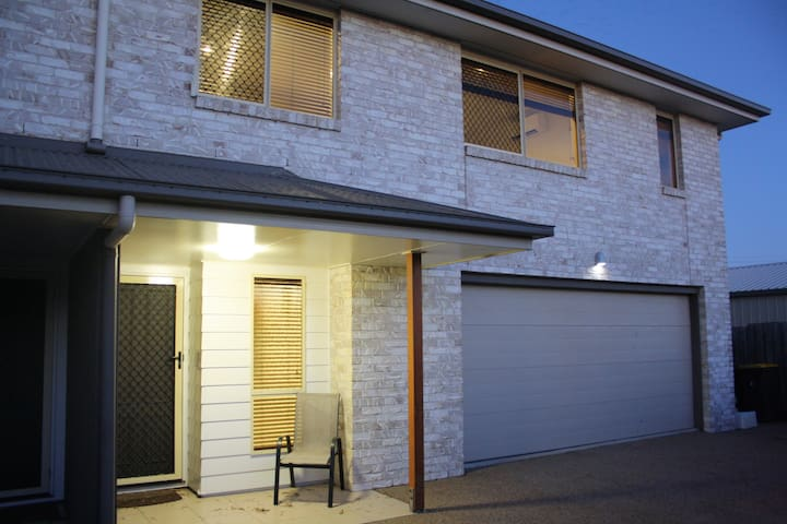 Modern 4 Bedroom Townhouse in great location!