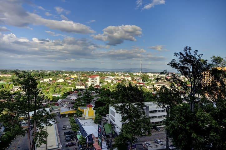 Modern 2BR, Pool, Stunning Views - Chiang Mai - Apto. en complejo residencial