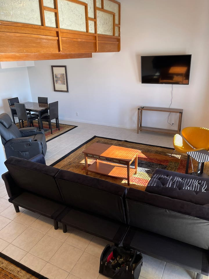Artesia Loft - 1 bedroom - Close to downtown