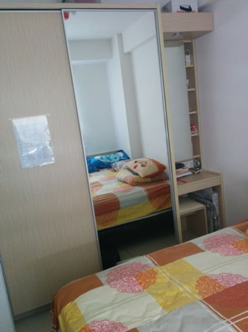 Main bedroom - wardrobe