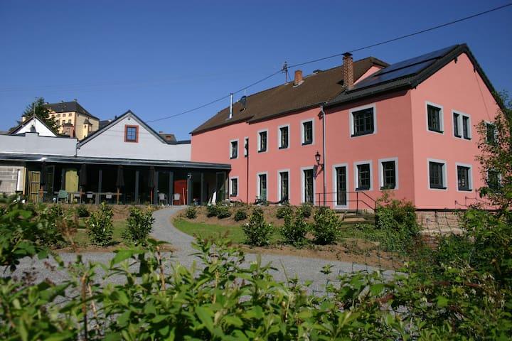 Landhaus Waldeifel voor 18 personen - Malberg - บ้าน