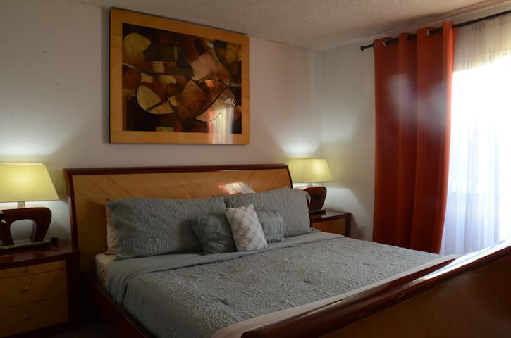 Cozy&Plush Master Suite near Universal w/parking