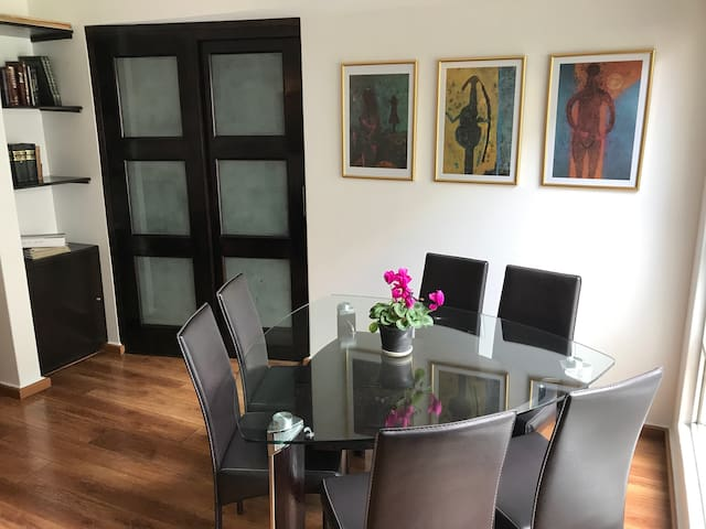 """Tamayo apartment"" perfect location"