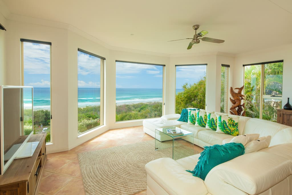 The View Beach House-Living Area