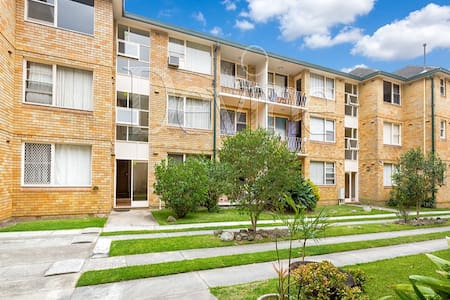 Beautiful Apartment - Central Loc - Strathfield