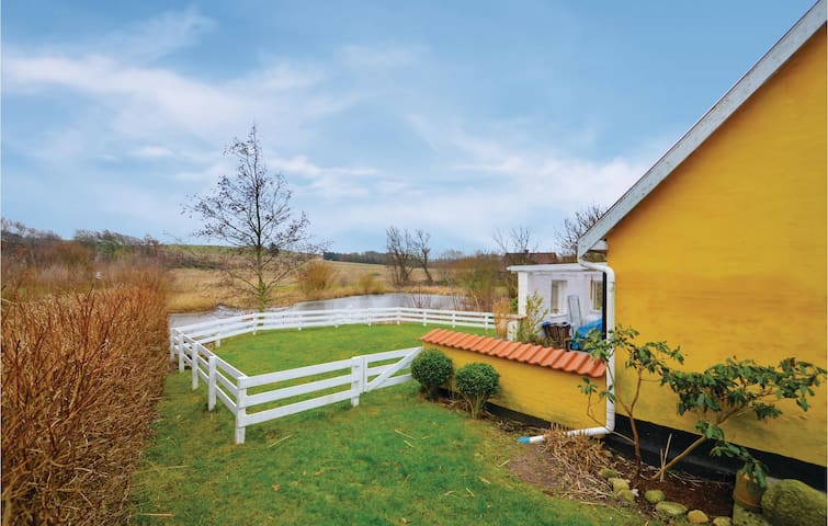 Holiday cottage with 2 bedrooms on 116m² in Snedsted