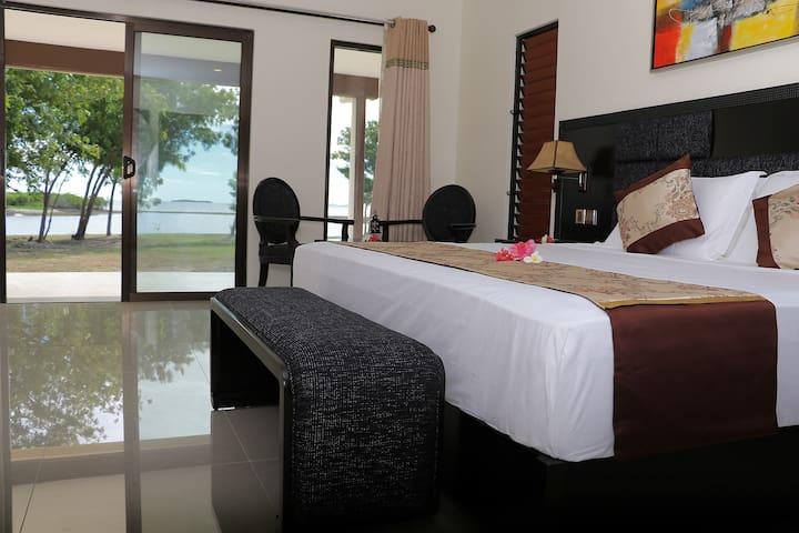 Beach Front Villa, Nila Beach Resort