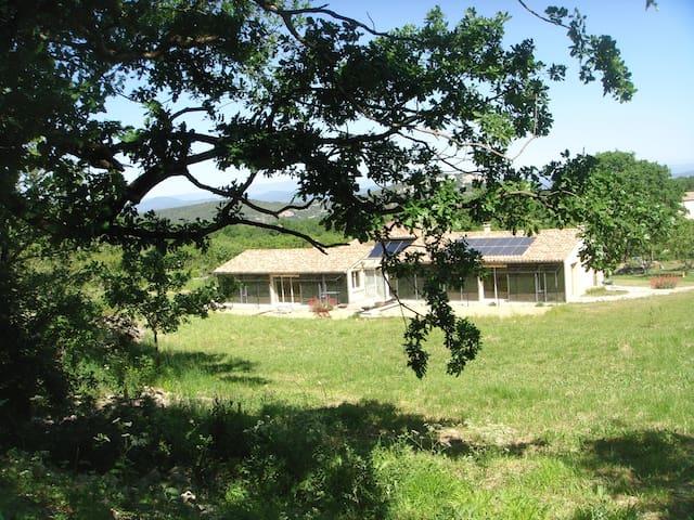 très zen et écologique - Bouquet - Earth House