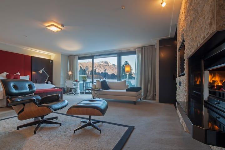 The Spire Hotel - Deluxe Suite