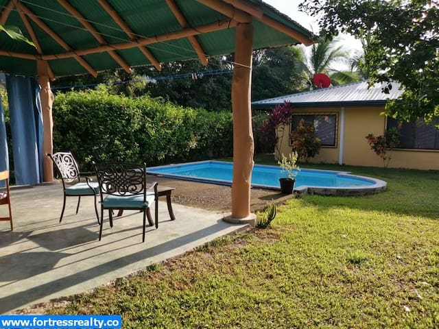 Casa la Joya, private pool and close to the beach!