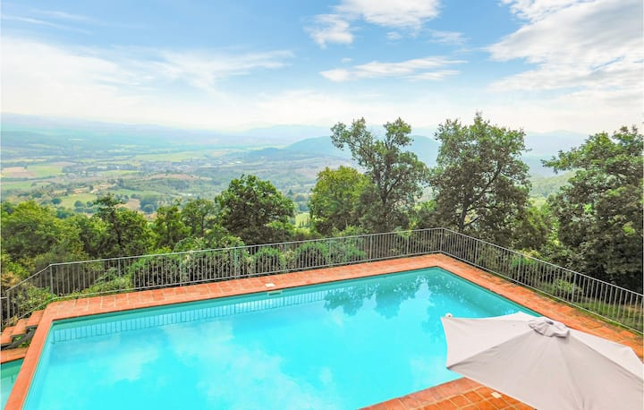 Holiday cottage with 4 bedrooms on 320m² in Città di Castello
