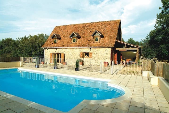 """La Grange"" Charming Cottage, Private Pool+Gardens"