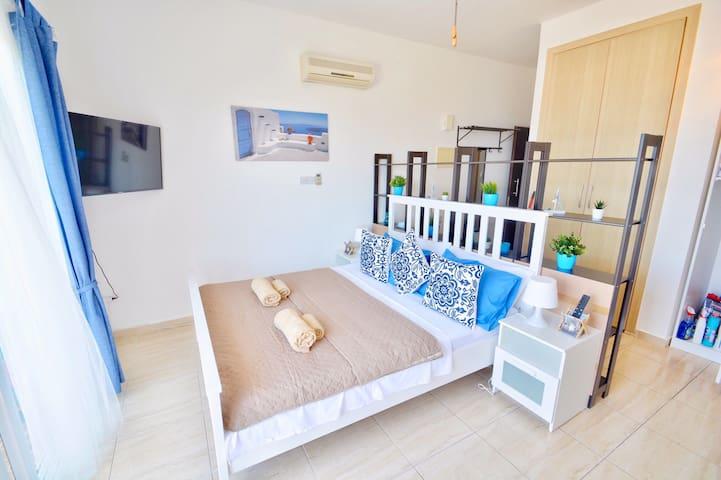PMP Adamia Sea View Apartment 211