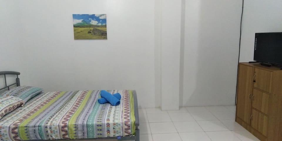 Pili room 9