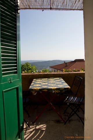 Helle 3 Zimmer Wohnung mit Meerblick und Balkon - Monte Rotondo marritimo - Apartemen