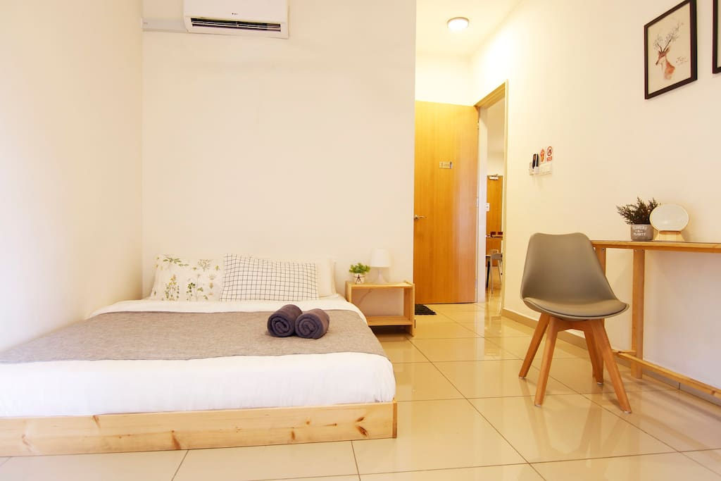 #主人房出租 Master bedroom for rent#