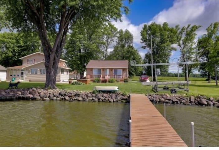 Cottage on Lake Poygan