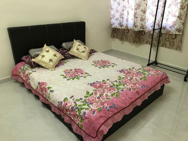 Ann's Homestay (WIFI Available) PM BEFORE BOOKING