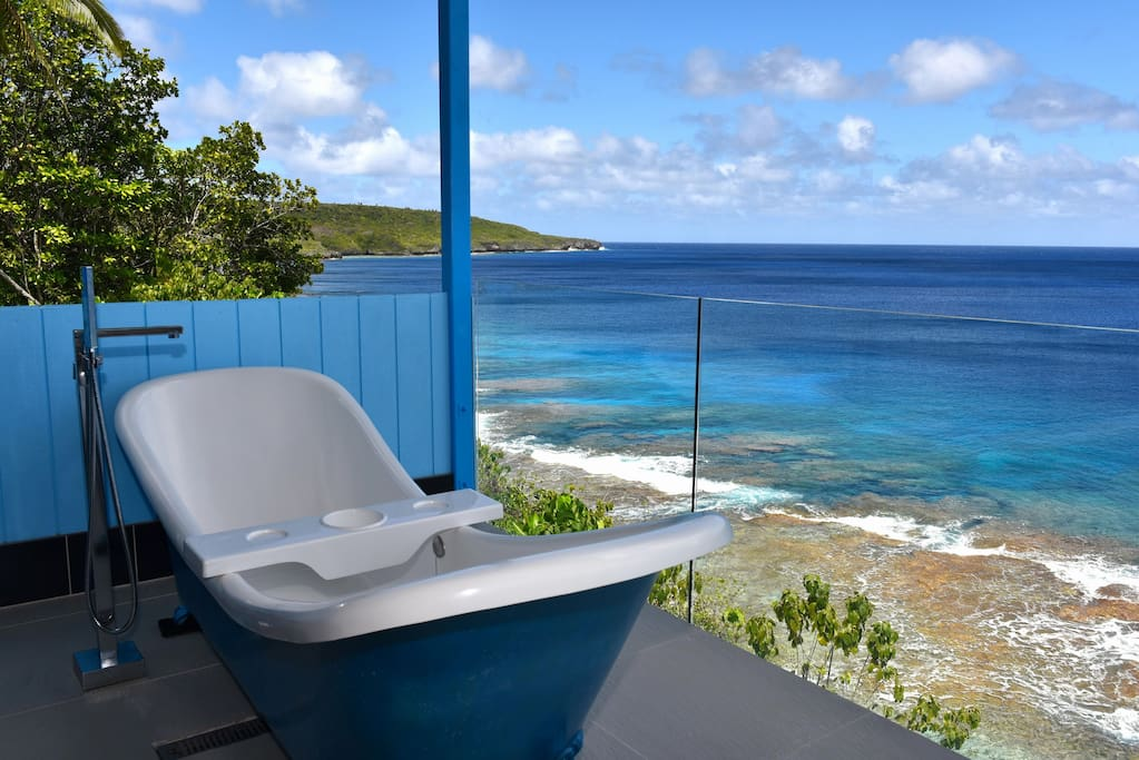 private outdoor bath with view
