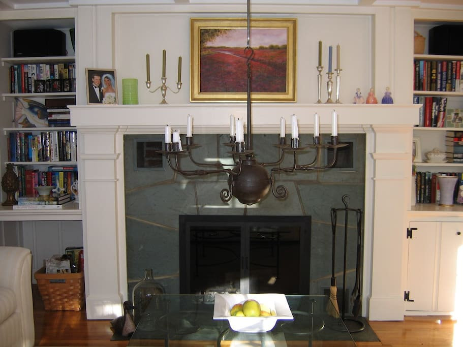 Living Room (fireplace)