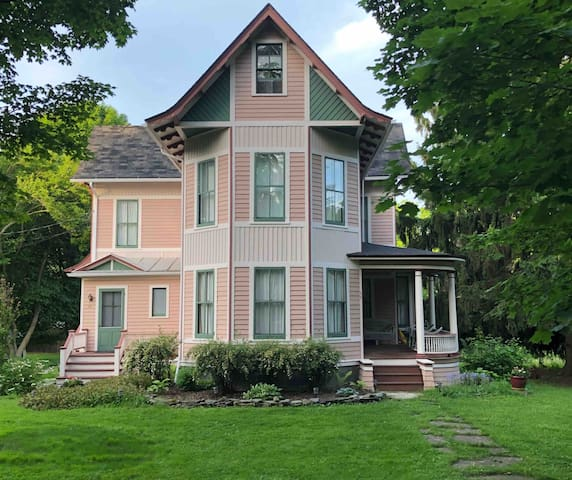 Charming 1880's Victorian Farmhouse in Trumansburg