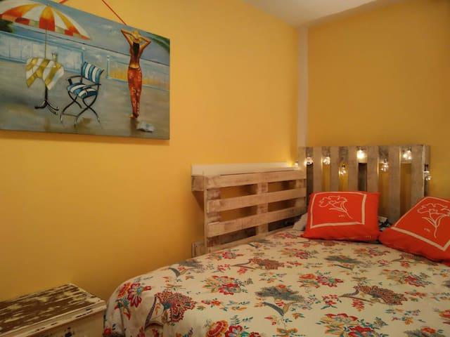 Sunny room in Barcelona