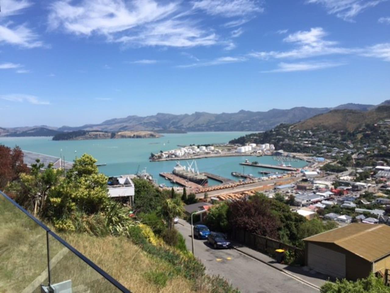 Uninterrupted harbour views