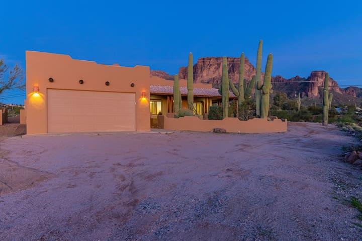 Desert/Mountain Home Captures the Best of Arizona