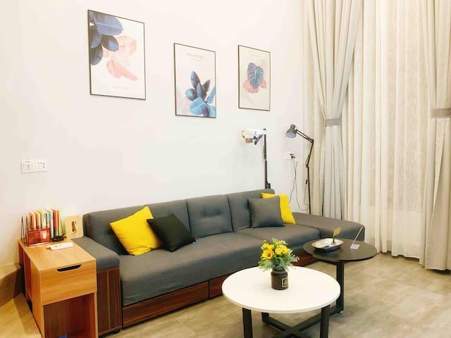 【表姐家】SweetHome 简约北欧风Loft复式公寓/大屏幕投影/蓝牙音响