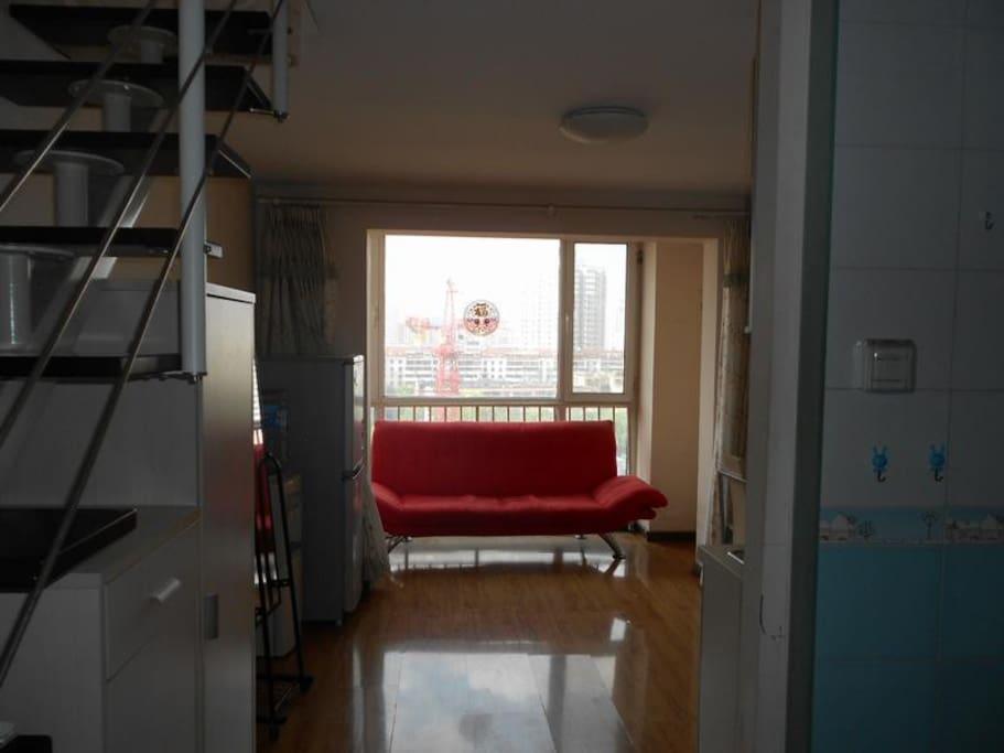 一层大客厅加沙发