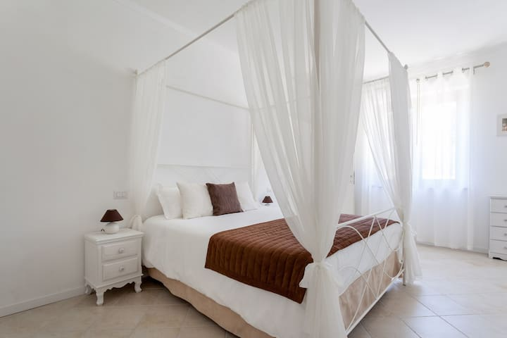 Charmant appartement avec Jacuzzi - Cannara - Bed & Breakfast