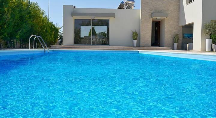 Spetsopoulla Villa