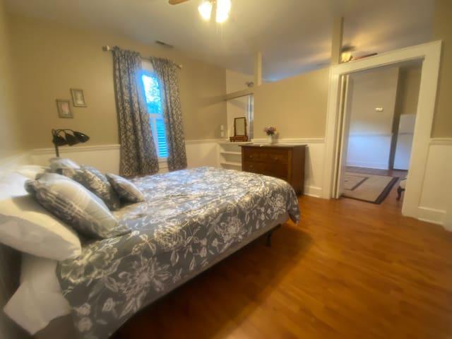 Bedroom - Queen bed.
