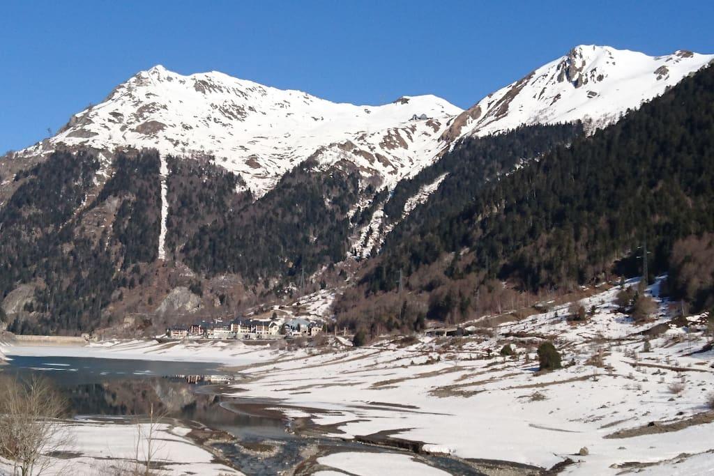 Fabrèges et son lac en hiver