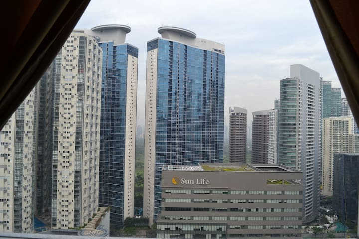 1BR High Atop BGC Fort Breathtaking View CableWiFi