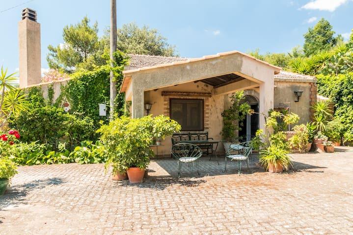 Casa Marianna - Vizzini  - Vila