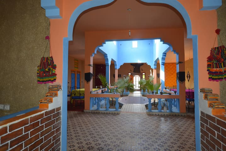 Le Berger, the best hostel. - Merzouga