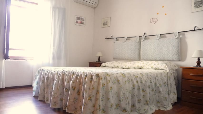 Indipendent house in heart of city - Sassari - House