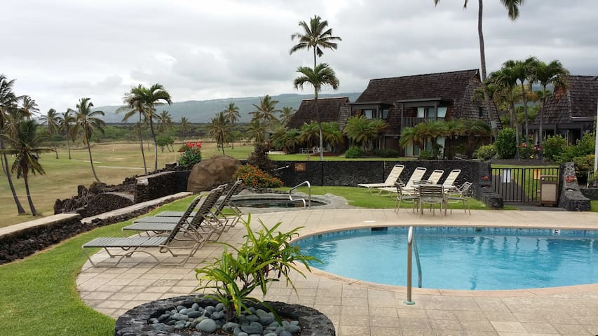 Colony One Condo at Punaluu - Pahala