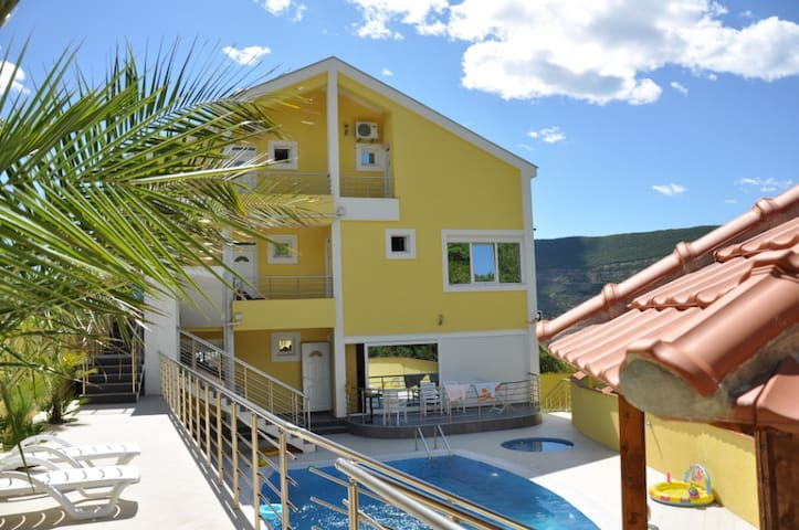 Super Villa-G for family! - Herceg Novi - Wohnung