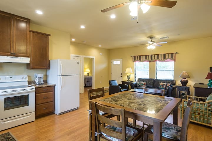 Vibrant Home in Palm Springs 4-plex - Palm Springs - Appartement